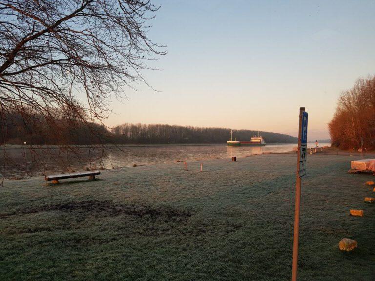 Kurz nach Sehestedt am Nord-Ostsee-Kanal